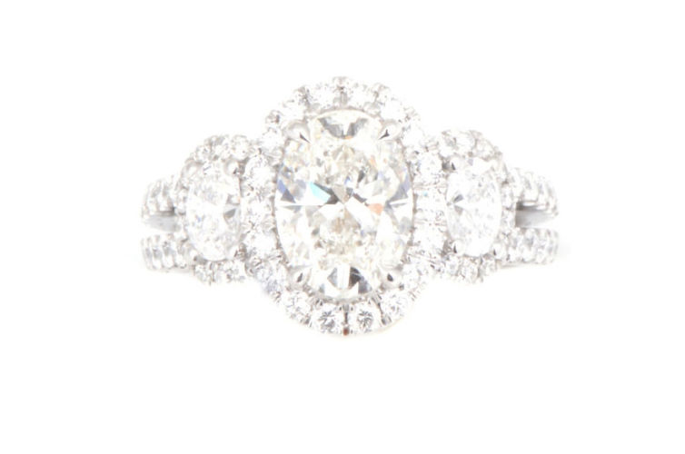 18K 3 Stone Oval Diamond Ring with Split Shank
