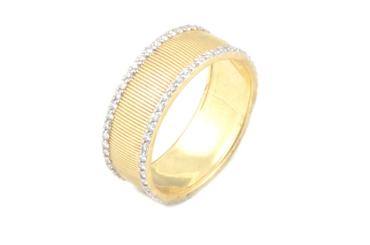 18K Gold Band with Diamond Edge Detail